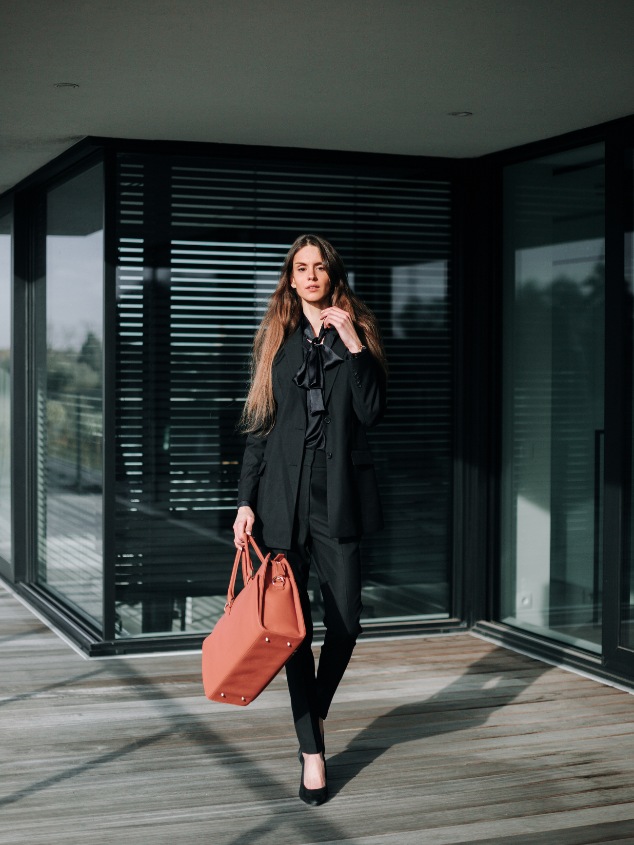 Corporate job interview outfit - work outfit - LM Fashion Agency - workwear