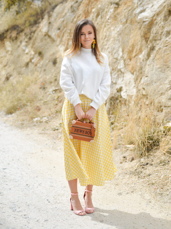 Summer colours to wear to work - LM Fashion Agency